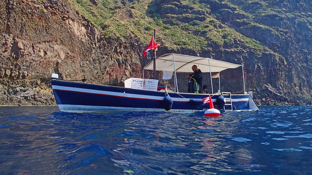 Alberto and his traditional boat © Filicudi Divers